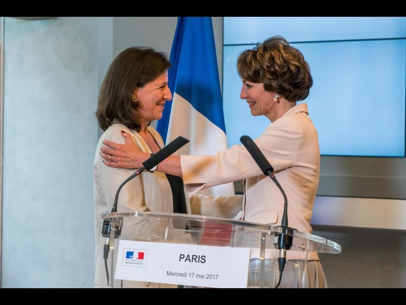 Rompant avec l'ère Touraine, Agnès Buzyn reçoit les IDEL